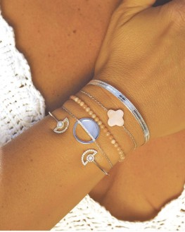 Composition Instagram bracelet chaîne en argent 925 et nacre - Bijoux de créateur par Madame Vedette