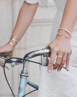 Composition bracelet femme jonc ouvert plaqué or et brillants - Bijoux de créateur -  Madame Vedette