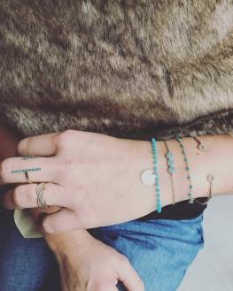Composition bracelet chaîne plaqué or trio pastille et turquoises - Bijoux création Madame Vedette