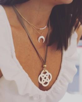 Collection collier chaîne plaqué or perles blanches femme - Bijoux créateur Madame Vedette