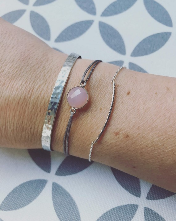 Composition bracelet cordon pierre ronde semi précieuse femme - Bijoux créateur Madame Vedette