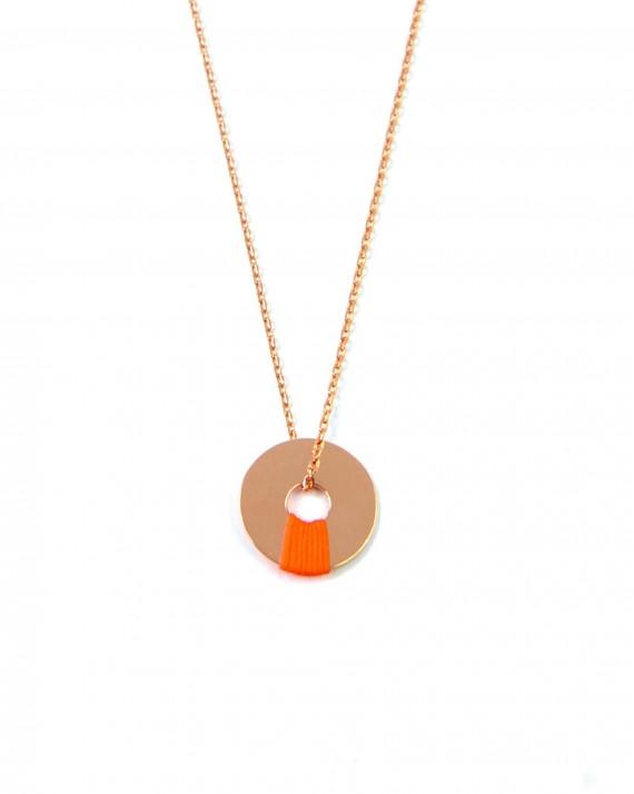 Collier chaîne plaqué or rose médaille ajourée fil couleur - Bijoux créateur tendance - Madame Vedette