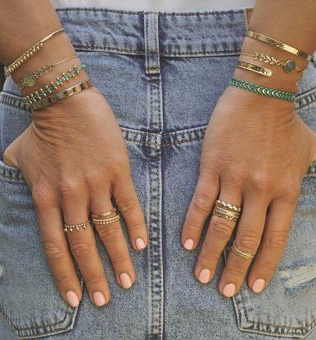 Découvrez les petits bijoux de créateur dorés à l_JMSQUOTE2_or fin par Madame Vedette
